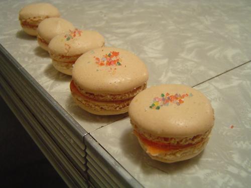 Vanilla-Macarons-Baked