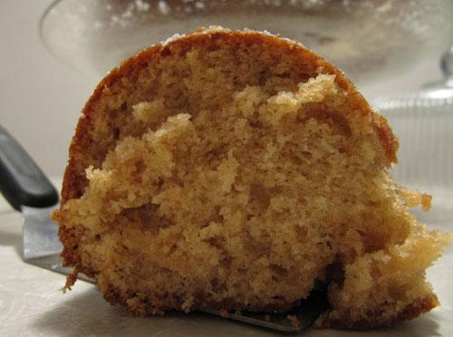 Brown-Sugar-Bundt-Cake---Slice